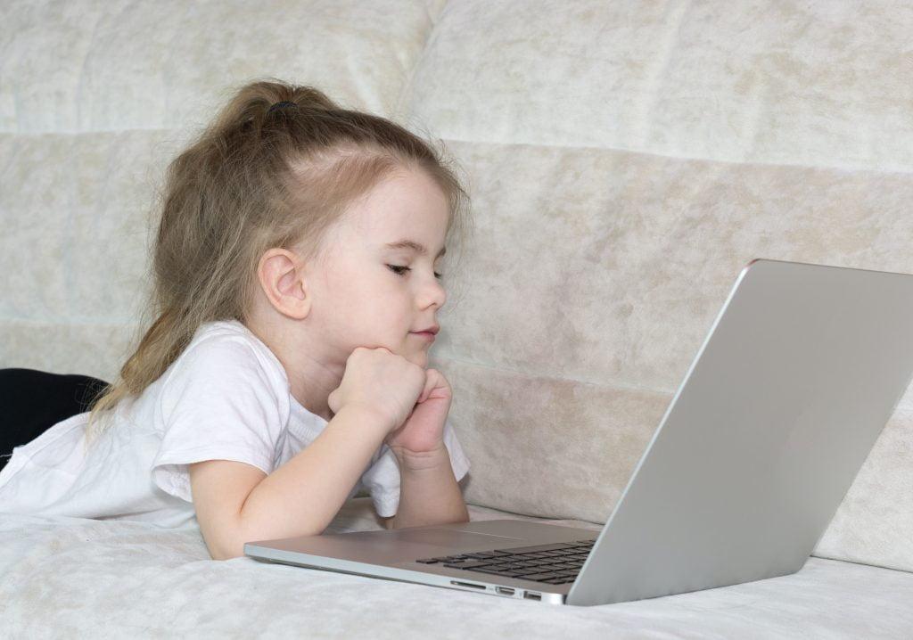 beeldschermverslaving jonge kinderen